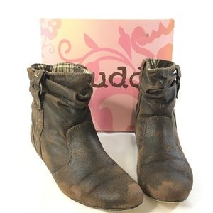 Mudd Womans Dark Brown Ankle Booties